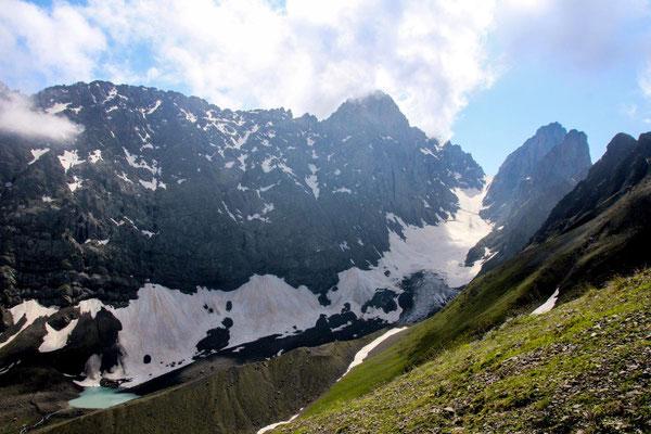 Georgische Dolomiten wird diese Region auch genannt