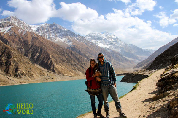 Am Saif-ul-Maluk Lake auf dem Weg zum Karakorum Highway in den Norden Pakistans