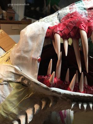 Drogon, papermache, papiermache, Drachenkopf, Drachentrophäe, handmade, ginas-pappmache.de, Skulptur