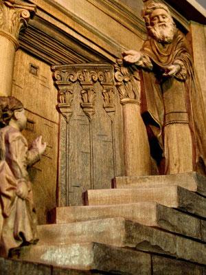 Введение во храм Девы Марии. Липа. Размер с рамой 570х390х65 Резьба по дереву Байкова Михаила.