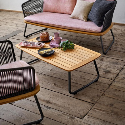 Denia Beisteller mit Denia Sofa und Sessel