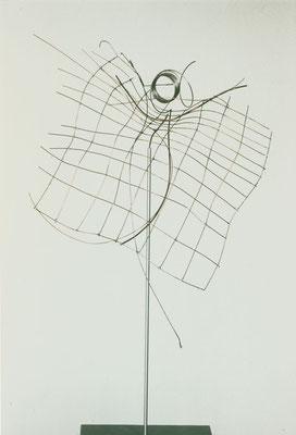 ohne Titel I 2000 I Höhe 75 cm I Edelstahl, Kupferdraht weich gelötet