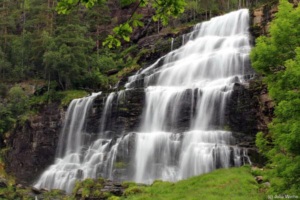 Der Svandalsfossen gehört mit seinen Kaskadenstufen zu den schönsten Wasserfällen in Ryfylke