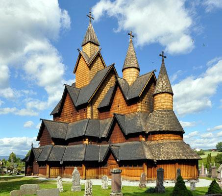 Besonders beeindruckend wurde Holz in der Stabkirche Heddal verarbeitet, Norwegens größter Kirche dieser Art (Foto: Micha L. Rieser)