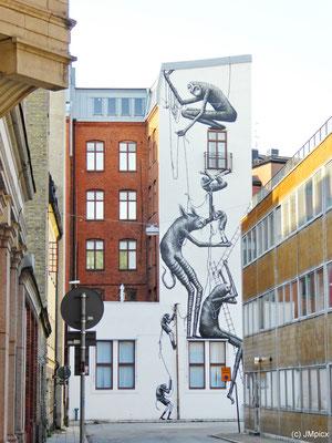 Kunstvolle Gestaltung einer Häuserwand in Malmö