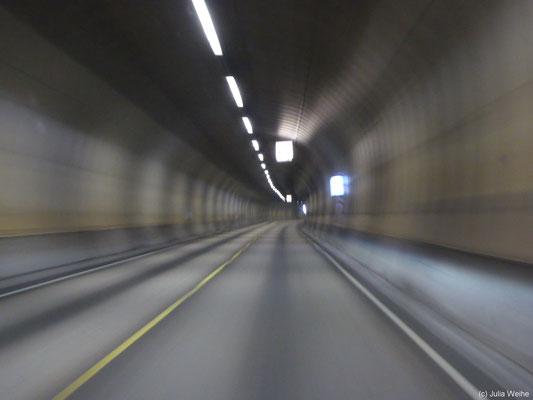 In langen Tunneln setzt schnell ein Ermüdungseffekt ein (hier Freifjordtunnelen)