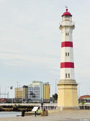 Der alte Leuchtturm von Malmö steht nah am Stadtzentrum