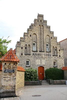 Eingang zum Heiliggeist Kloster aus dem Jahr 1506 in Aalborg (Jütland)