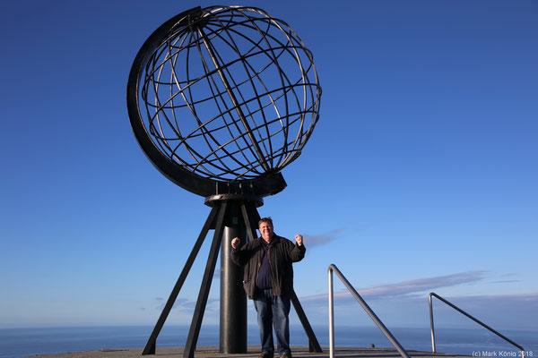 ... sind es über 2.500 Kilomenter bis zum Nordkap mit der bekannten metallenen Weltkugel (Tag 15).