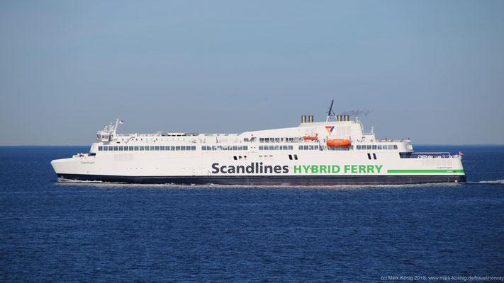 """Dritte Fährverbindung des Tages: Die Scandlines Fähre """"MV Copenhagen"""" ist in Gegenrichtung von Rostock nach Gedser unterwegs."""