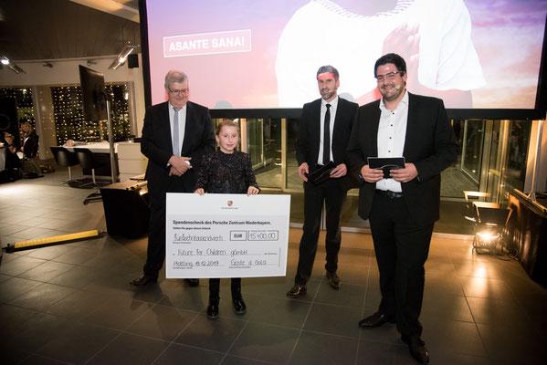 Die Familie Hirtreiter spendet jedes Jahr 1 % ihres Unternehmensgewinns an die Future for Children und übernimmt so die Defizite von Hospital und Kindergärten. Das Porsche Zentrum Niederbayern organisierte eine Spendengala und sammelte 15.400 Euro.