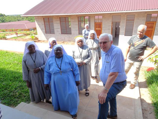 Die Benediktinerschwestern aus Imiliwaha von denen die Schule geleitet wird.