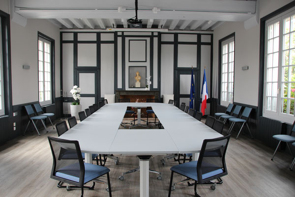 décoration salle de conseil mairie Parcay-Meslay, Centre Val de Loire, Indre et Loire 37, Isabelle Mourcely Décoratrice d'intérieur UFDI Tours-Chinon 37