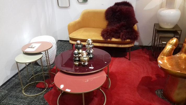 Tables basse, gigogne, lie de vin vieux rose stand Maison & Objet septembre 2018 Isabelle Mourcely Décoration, décoratrice UFDI Tours Chinon Centre Indre et Loire 37
