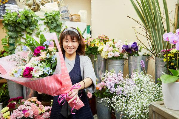 駅近なので、花束を買っても持ち運びに苦労しません