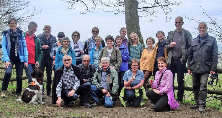 Mitglieder der Tanzsportabteilung bei ihrer Wanderung im Hangelstein (Foto: Daniela Grimm)