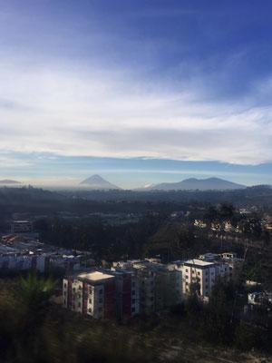 der Tungurahua von Ambato aus