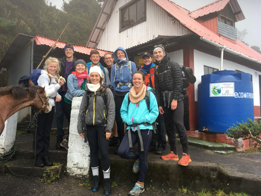 unsere Gruppe kurz vor dem Abstieg