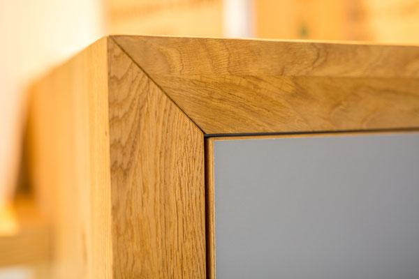 Schreinerei Hopfmann Holz Schmankerl Bichl Schrankeinhausung Küche Eiche massiv mit 1,5mm Massivholzkante an den Fronten