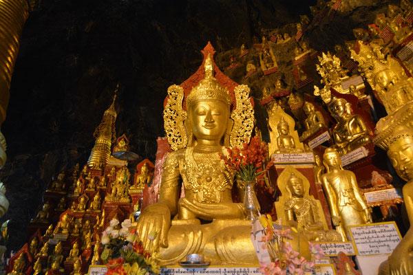 Pindaya-Grotte mit über 8000 Buddha-Statuen
