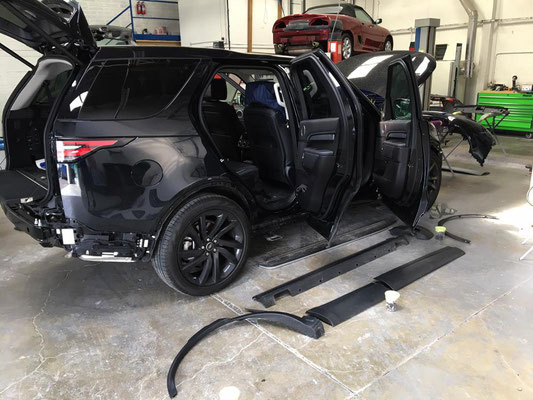 2017 Land Rover Discovery Customisation   Precision Paint   Wellington Somerset