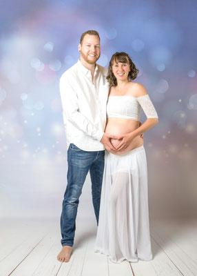 Babybauchshooting mit Partner