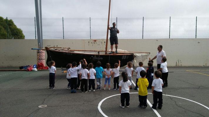 Momento de la actividad con los más pequeños (colegio Miraflor).