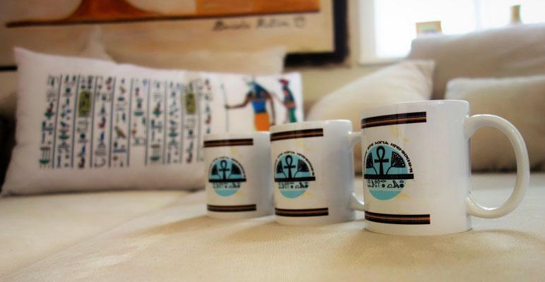 Tassen zum Jubiläum: 10. Tage der Ägyptologie im Koptischen Kloster in Brenkhausen. Foto: Jennifer Peppler