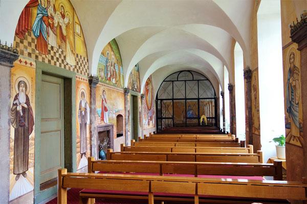 Die Klosterkapelle. Malereien: Dalia Sobhi. Foto: Jennifer Peppler
