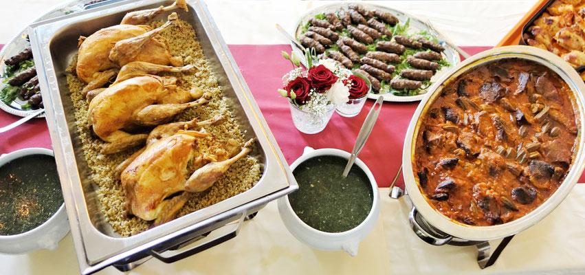 Festmahl bei einer ägyptischen Hochzeit. Foto: Jennifer Peppler
