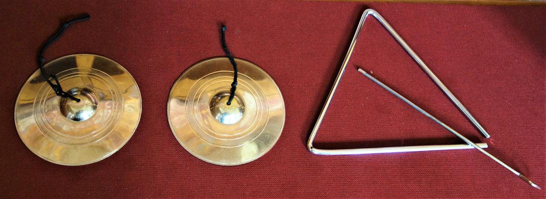Traingel und Zimbel als traditionelle Rhythmusinstrumente im Koptischen Gottesdienst. Foto: Jennifer Peppler