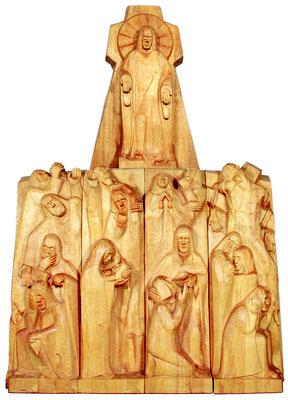 """Die """"Bergpredigt"""" (Matthäus 5,1-11, neun Seligpreisungen), Pappelholz 1997/98, Höhe 430 cm. Foto: Ulrich Sprengel"""