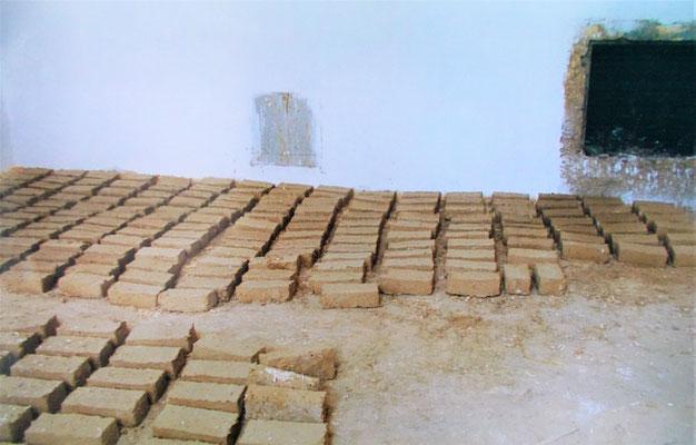 Lehmziegelherstellung im Koptischen Kloster. Foto 2006