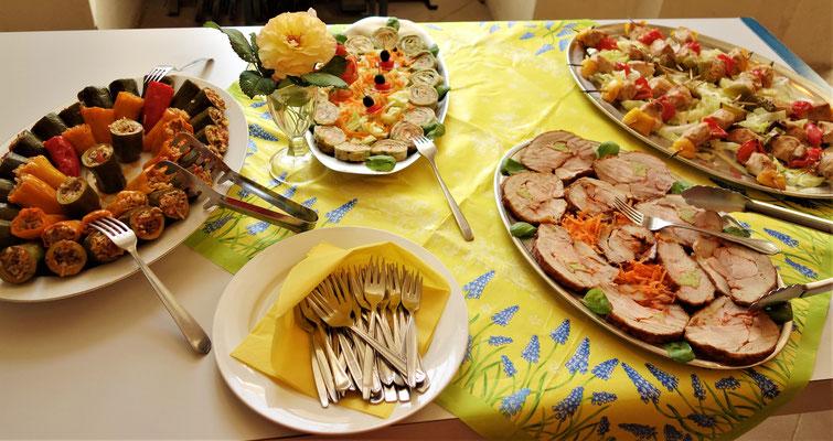Empfangsbuffett mit mediteranen Gerichten. Foto: Daniela Rutica
