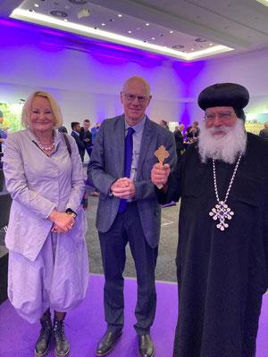 S.E. Bischof Anba Damian mit Prof. Dr.-Ing.  Martina Abri und Prof. Dr. Norbert Lammert (Bundestagspräsident a.D.) (CDU/CSU)