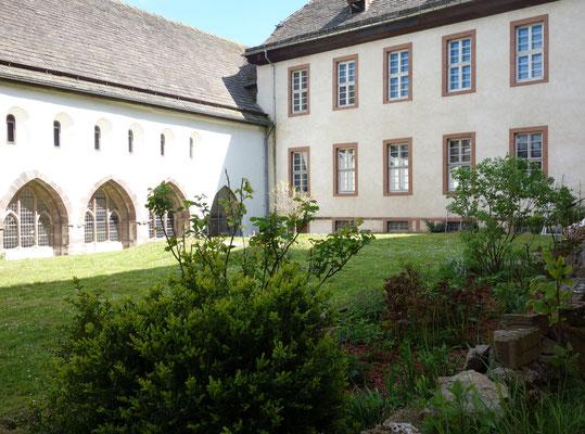Der Garten des Klosters lädt zum Verweilen ein. Foto: Jennifer Peppler