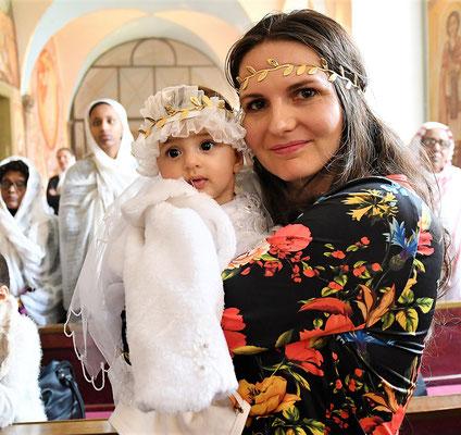 Koptisch-Orthodoxe Taufe eines Mädchens im Kloster Brenkhausen. Foto: Maria Hopp