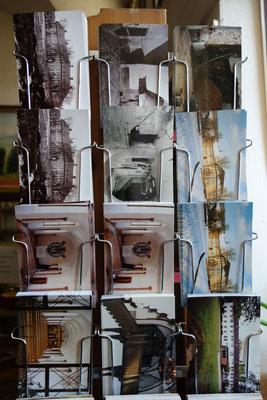 Ansichtskarten über das Koptische Kloster. Foto: Jennifer Peppler