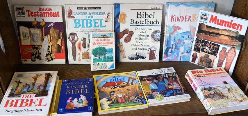 Bibeln für Kinder zum Anfassen und Lesen im Koptischen Kloster. Foto: Jennifer Peppler
