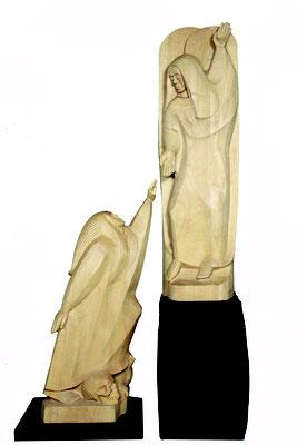 """""""Tod und Erlösung"""", Lindenholz 2000, Auferstehender Mensch: Höhe 160 cm, Großer Engel: Höhe 195 cm. Foto: Ulrich Sprengel"""