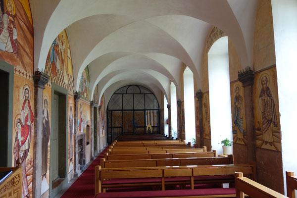 Die Klosterkapelle mit Malereien von Dalia Sobhi und Dr. René Stephan.