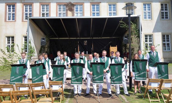 """Musikalische Darbietung des Spielmannzugs """"Alte Kameraden Brenkhausen"""". Foto: Jennifer Peppler"""