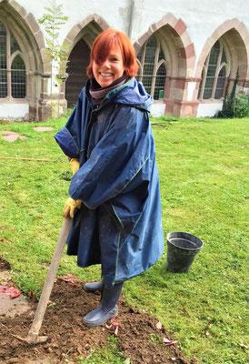 Oder engagieren Sie sich mit Spaß an der Freude z.B. bei der Gartenarbeit im Kloster. Bei uns ist jeder herzlichst willkommen! Foto: Bischof Anba Damian