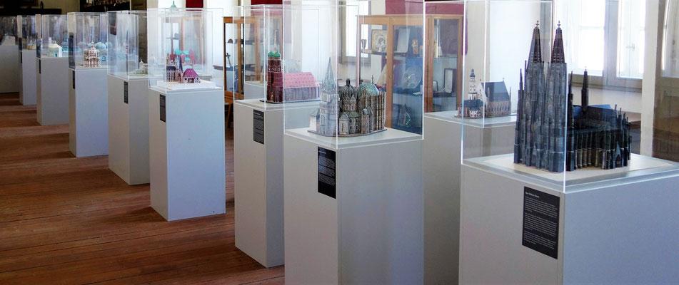 Miniaturausstellung der Kirchen von Dr. med. Hans-Martin Möhler. Foto: Jennifer Peppler