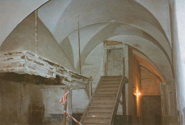 Der Zustand des späteren Speisesaals im Jahre 1993.