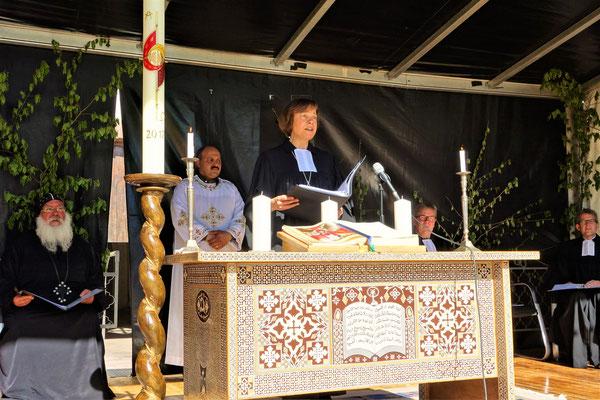 Der ökumenische Vespergottesdienst: Einführung durch Präses Annette Kurschus (Evangelische Kirche Westfalen). Foto: Jennifer Peppler