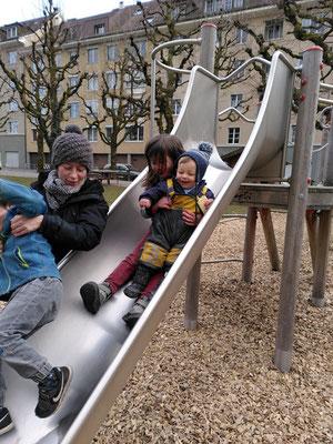 19.03.21 – mit Fabia und Kindern auf dem Spielplatz