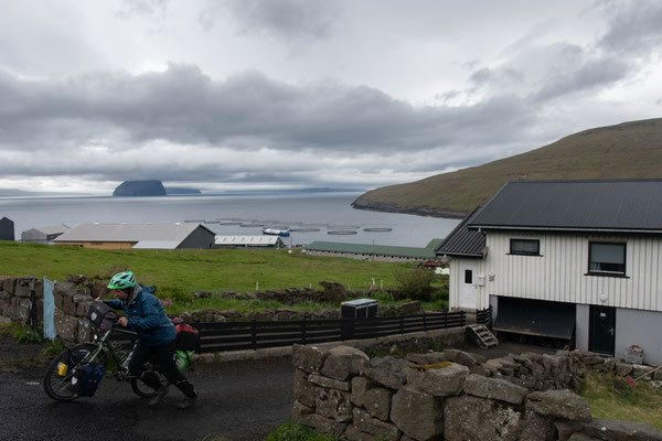Blick auf die Inseln Koltur und Hestur.