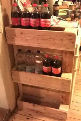 Flaschenregal für 15 Getränkeflaschen