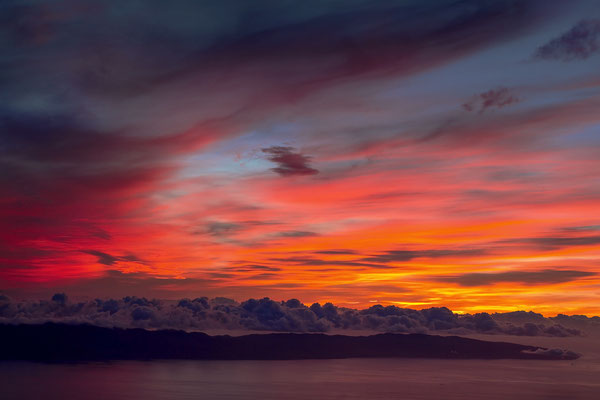 Vor Sonnenaufgang am Kraterrand des Montanha do Pico